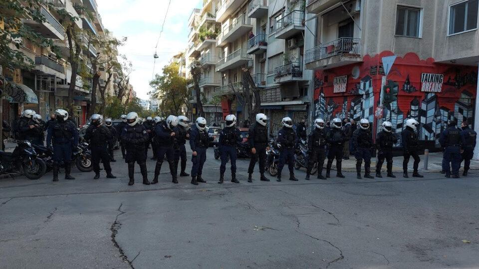 Над 100 приведени во Атина поради забраната за собири на годишнината од убиството на Григоропулос