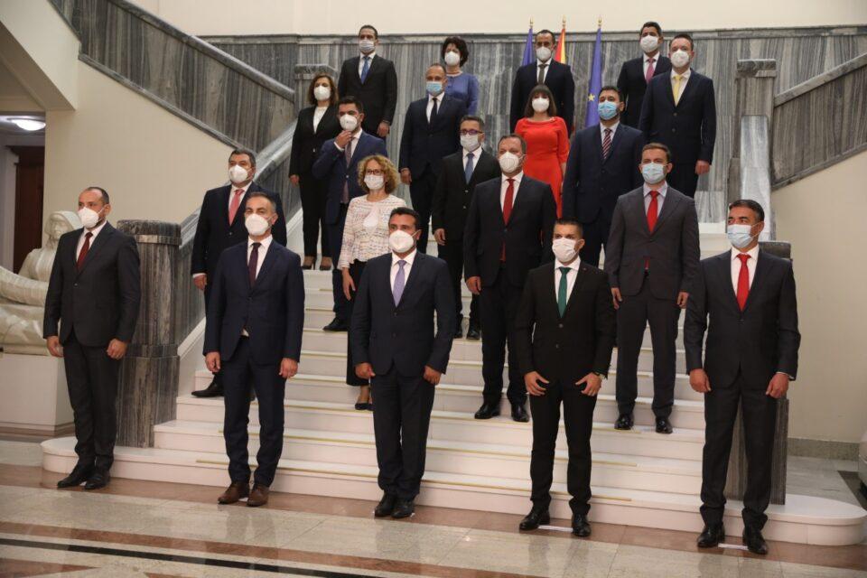 Во последните 100 дена замреа сите надежи дека Заев ќе се бори со непотизмот и корупцијата