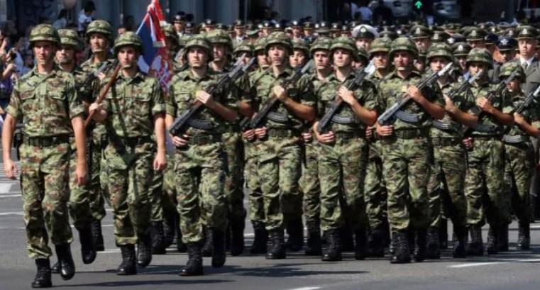 Данас: Во Србија армијата ќе добие 10 отсто повисоки плати, двојно повеќе од лекарите и медицинските сестри