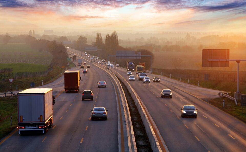 Дури 35 отсто од светот вози по левата страна на патот