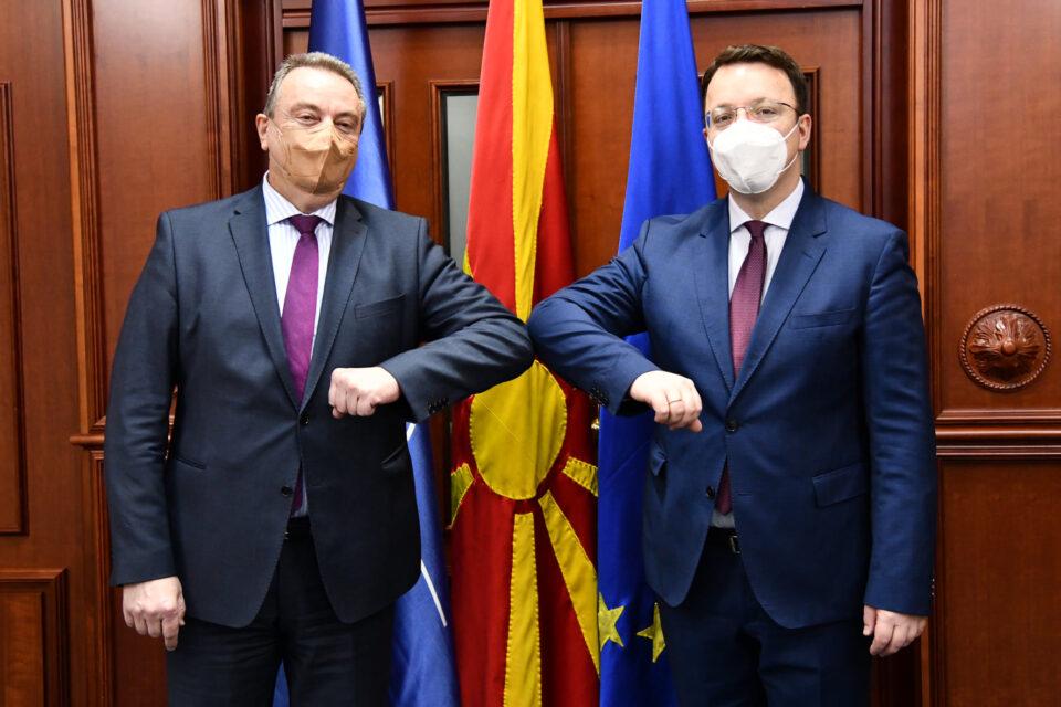 Николоски на средба со Томан: Контиунирана и силна поддрршка на Чешка за европската интеграција на Македонија