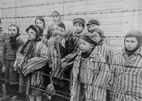 """Промоција на """"Изгубено детство"""" од Шела Алтарац – штипјанка која го преживеала холокаустот"""