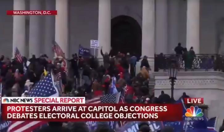 ВИДЕО: Хаос во Вашингтон- приврзниците на Трамп влегоа во Конгресот