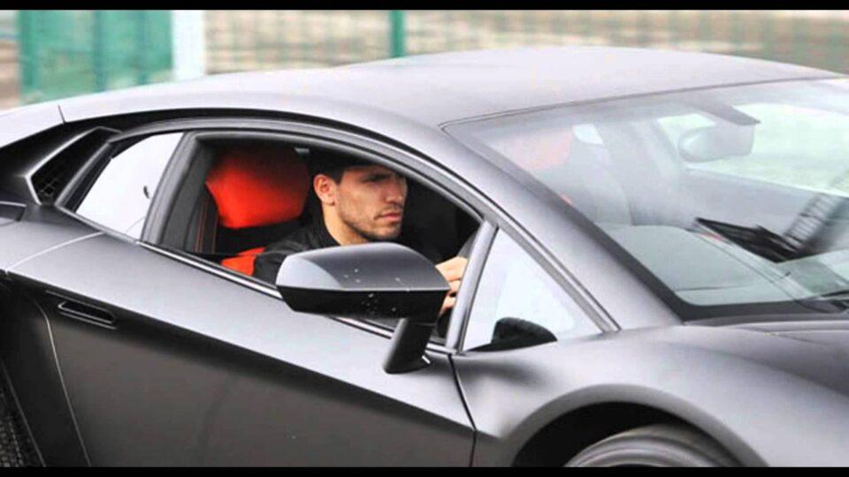 ФОТО: Во гаражата на Агуеро автомобил од 400.000 евра собира пајажина