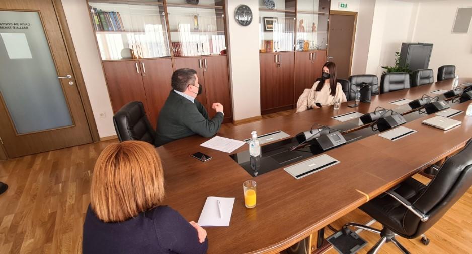 """Злоупотреба без срам: Маричиќ објави фотографии од жртва на """"Јавна соба"""" за да си промовира законски измени"""