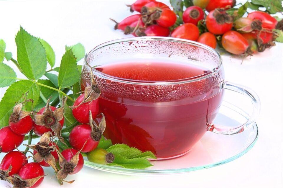 Пијте чај од шипки: Во 100 грама има витамин Ц колку во килограм лимони