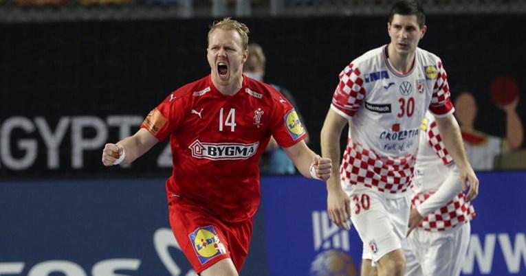 Хрватите понижени, Данска чекори кон врвот