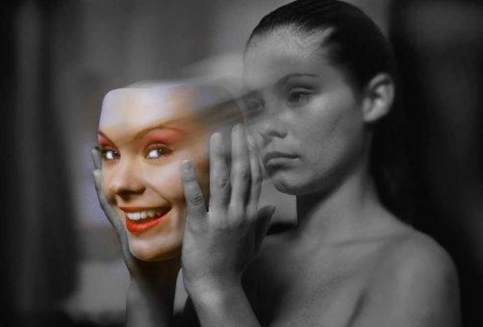 Не ги осудувајте, ПОМОГНЕТЕ ИМ: Низ депресија поминуваат и луѓето кои ви изгледаат како најсилни!