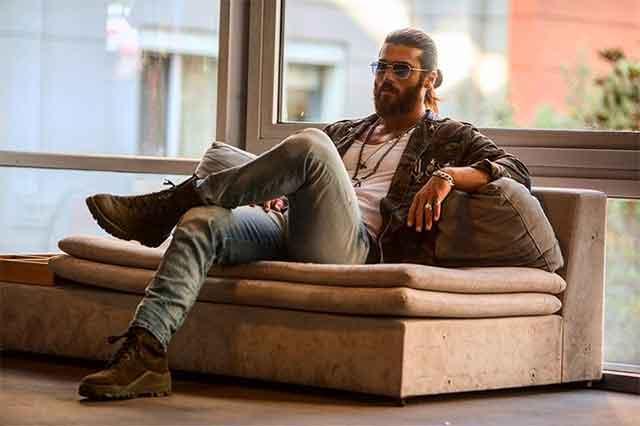 """Ѕвездата со македонско потекло од """"Романтичарот"""" е најпознат актер по кого девојките лудуваат – го обожаваат и во Италија и Шпанија"""