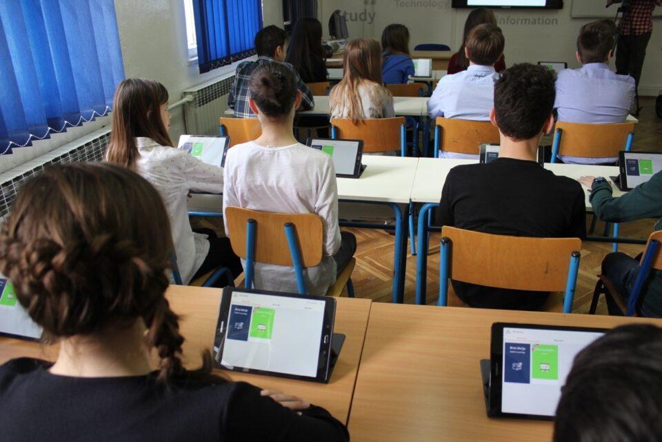 Учениците се враќаат во училиштата во Хрватска
