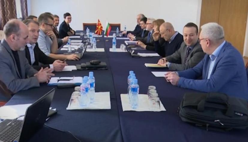 """Се брише придавката """"македонски"""" од официјалните записници на комисиите, ќе се користи Северна!"""