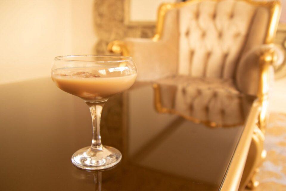 Сигурно ги имате сите состојки! За прекрасен пијалок, направете ликер од кафе (РЕЦЕПТ)