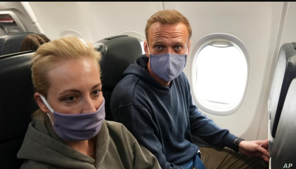 """""""Навални мора веднаш да биде ослободен"""""""