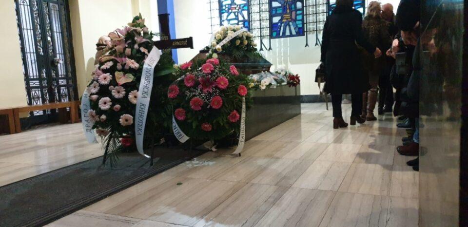 Телото го пронашол нејзиниот брат- легендарната југословенска актерка пред една година почина, но не беше погребана- еве ја причината