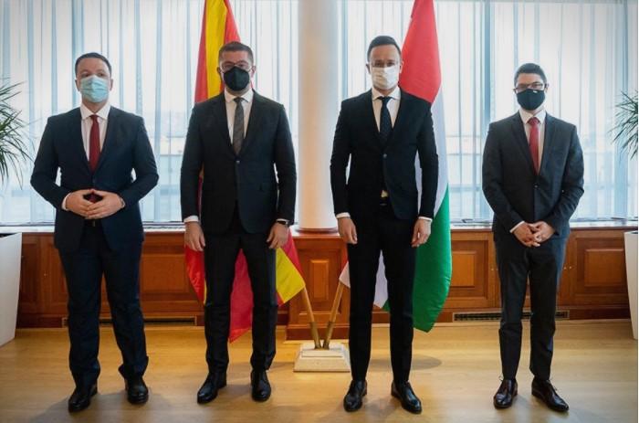 Николоски: За четири дена остваривме три средби со европски премиери и две со министри за надворешни работи, а Заев за шест месеци нема средба со премиер на ЕУ