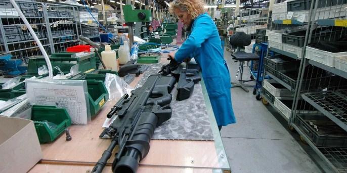 Речиси 2 трилиони долари во 2020 година во светот биле потрошени на оружје