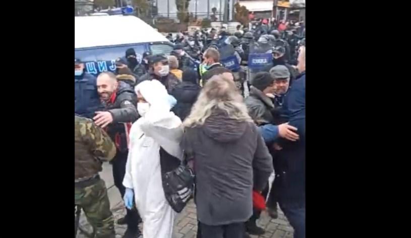 Полицијата влезе во Вевчани: ЕБР нacилно го раcтури карневалот кој се одржува со векови (ВИДЕО)