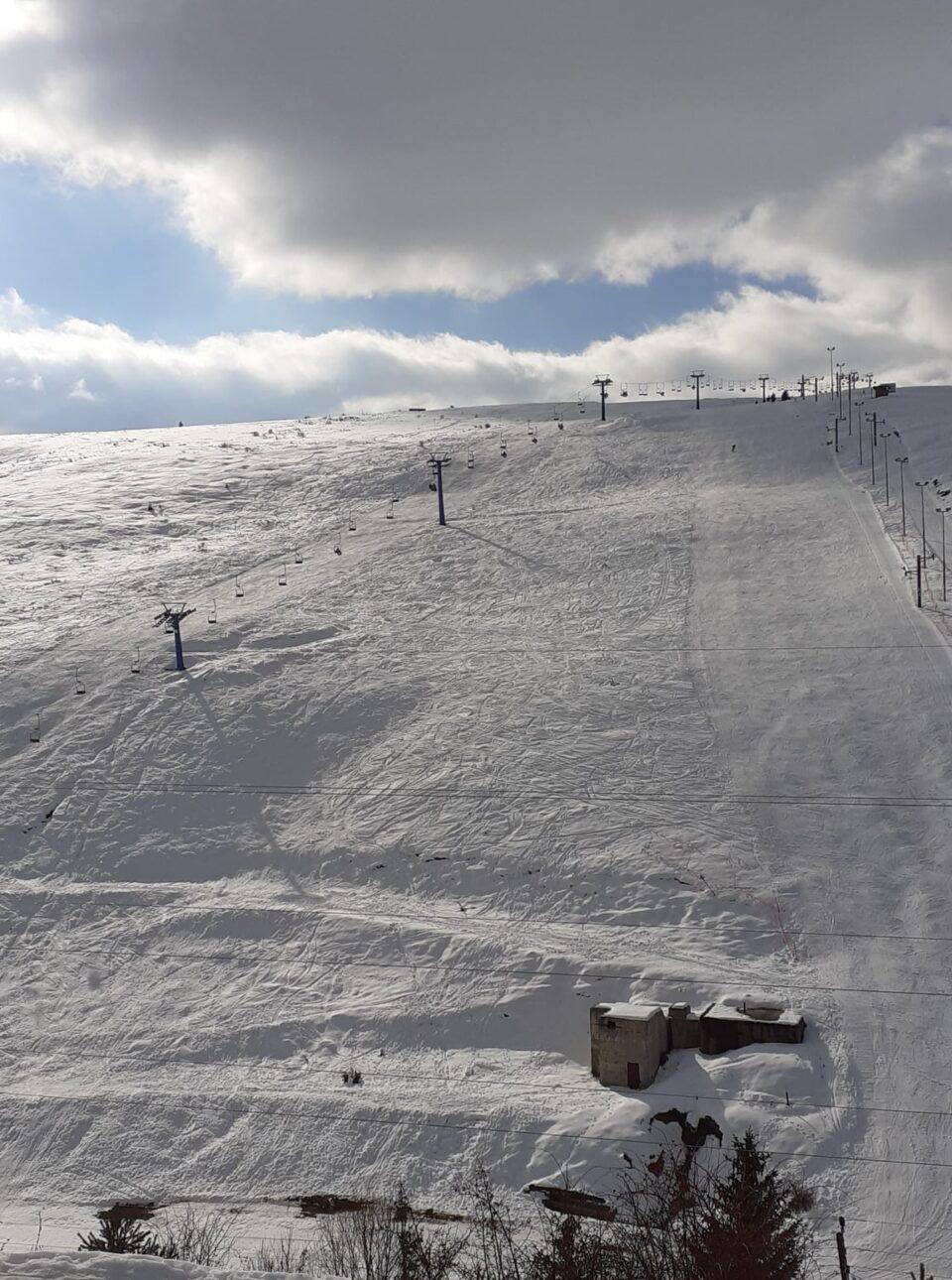 Најмногу снег има на Попова Шапка, еве колку сантиметри снежна покривка се измерени утрово