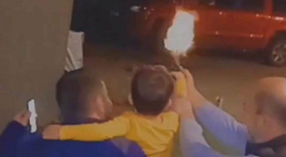 Приведен 39-годишен маж кој на дете му даде оружје и го објави на тик-ток