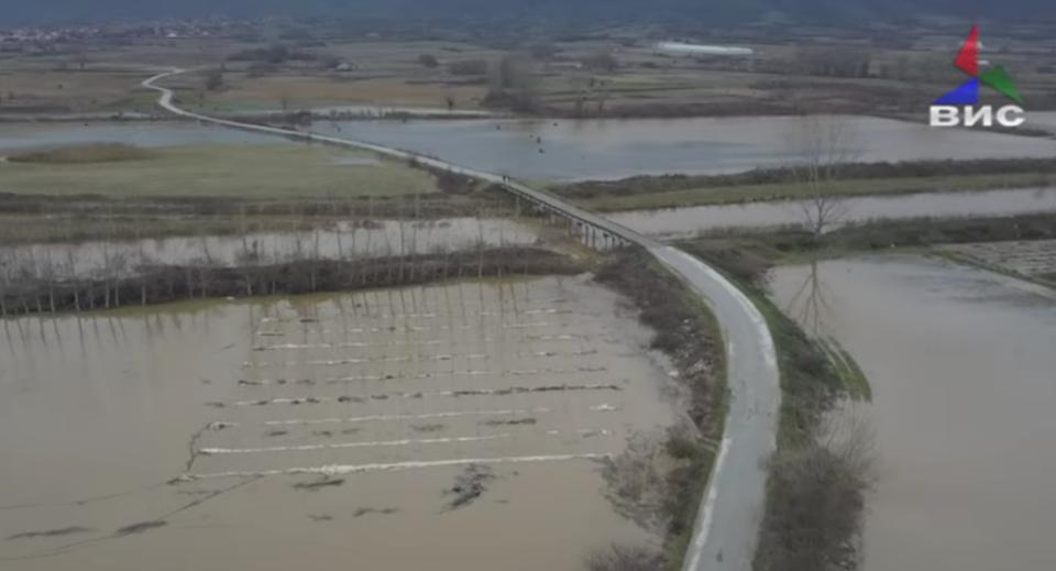 Се излеа реката Струмица кај Зубово (ВИДЕО)