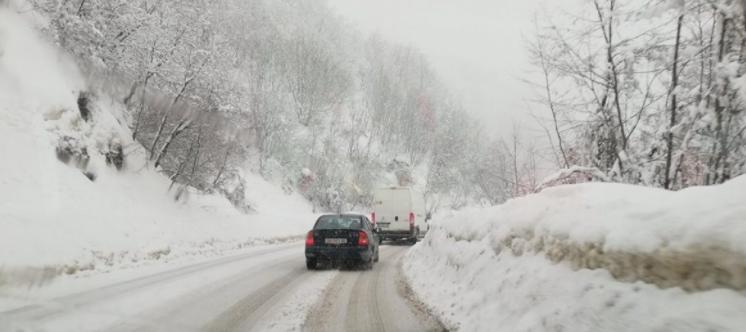 Забраната за сообраќај за тешки товарни возила на патниот правец Тетово – Попова Шапка е укината