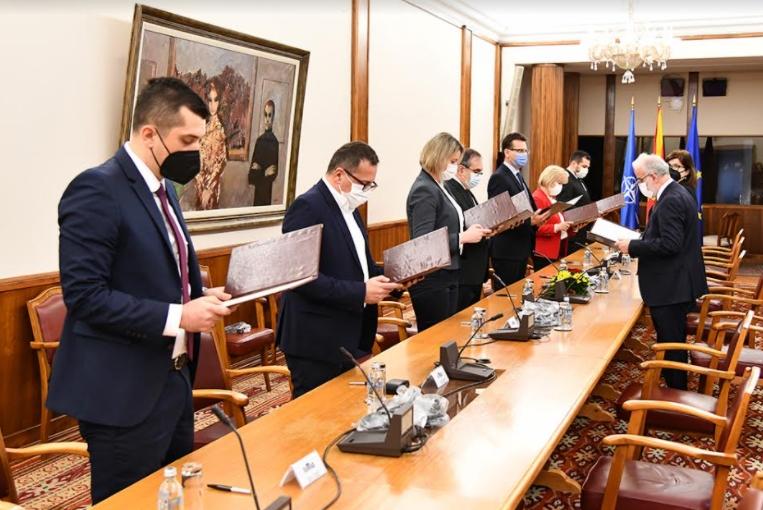 ФОТО: Новоизбраните членови на ДИК дадоа свечени изјави во Собранието