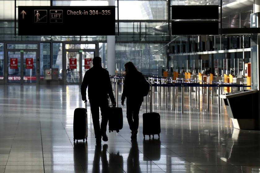 Три месеци живеел на аеродром- причината никогаш нема да ви падне на памет (ВИДЕО)