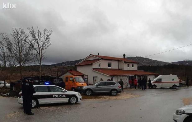 Детали за трагедијата во БиХ: Соседи кршеле стакло за да влезат во викендичката (ФОТО)