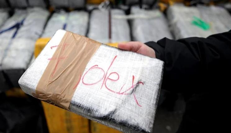 Албанец, Грк и Хрват уапсени, пронајдени 324 килограми кокаин