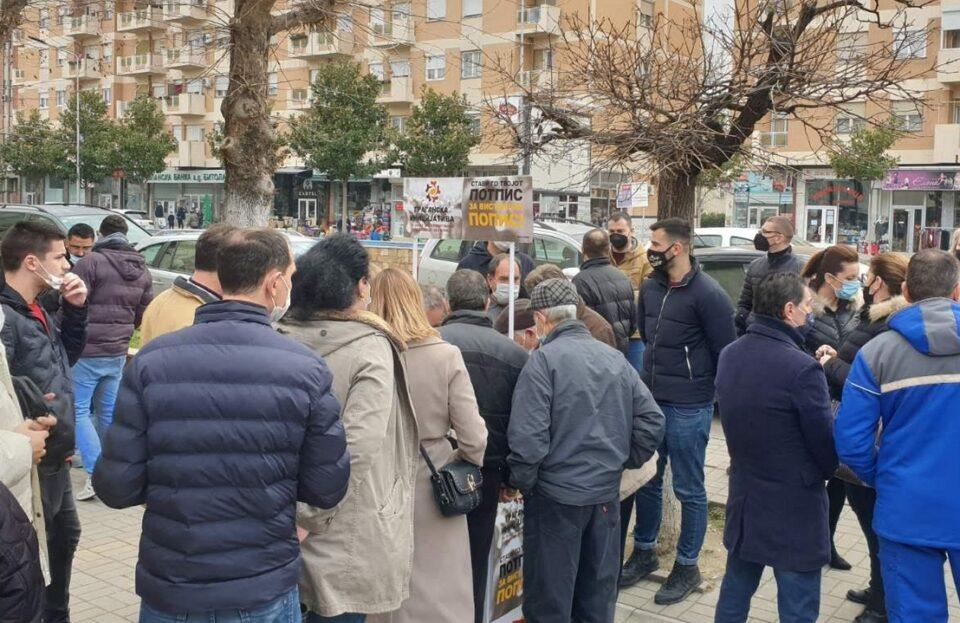Граѓаните од Струмица, Радовиш и Гевгелија масовно се потпишуваат против фалсификат попис