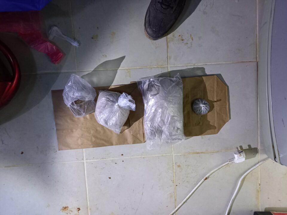 При претрес во Арачиново пронајдени 1,5 килограми хероин (ФОТО)