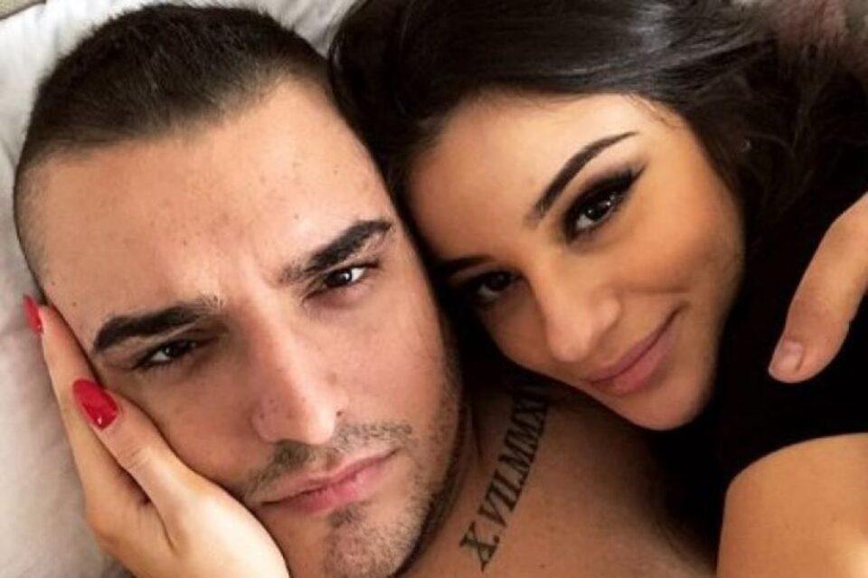 Сега е сè појасно дека се смирија – Дарко и Марина објавија фотографии во исто време, но еден детаљ ги откри дека се заедно