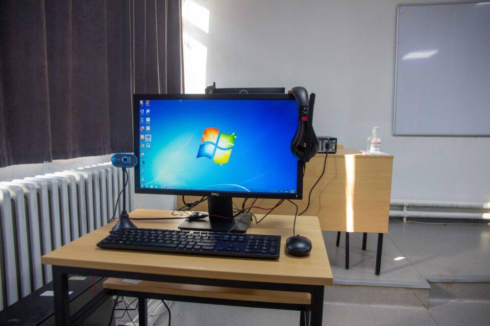 УНИ Банка донираше 50 нови компјутери на Математичко- Информатичката Гимназија во Скопје
