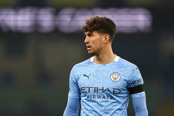 Манчестер сити има намера да го обнови договорот со Стоунс