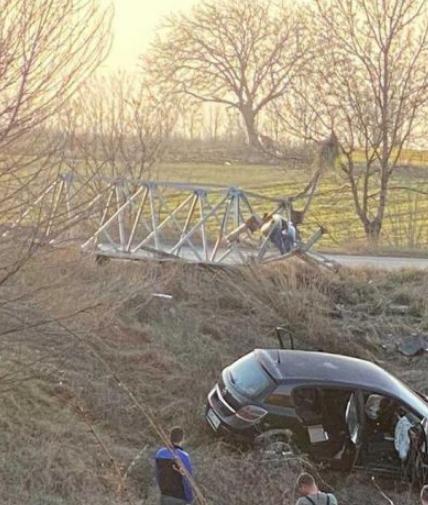 """Со """"Опел астра"""" излетале од патот- тројца повредени во сообраќајна несреќа на патот Куманово-Свети Николе (ФОТО)"""