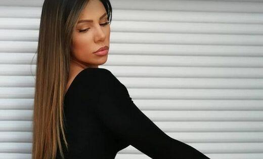 Сандра Африка објави нови секси пози, а следбениците сепак и најдоа маана: Га*ето и е навистина топ, ама само со фотошоп? (ФОТО)