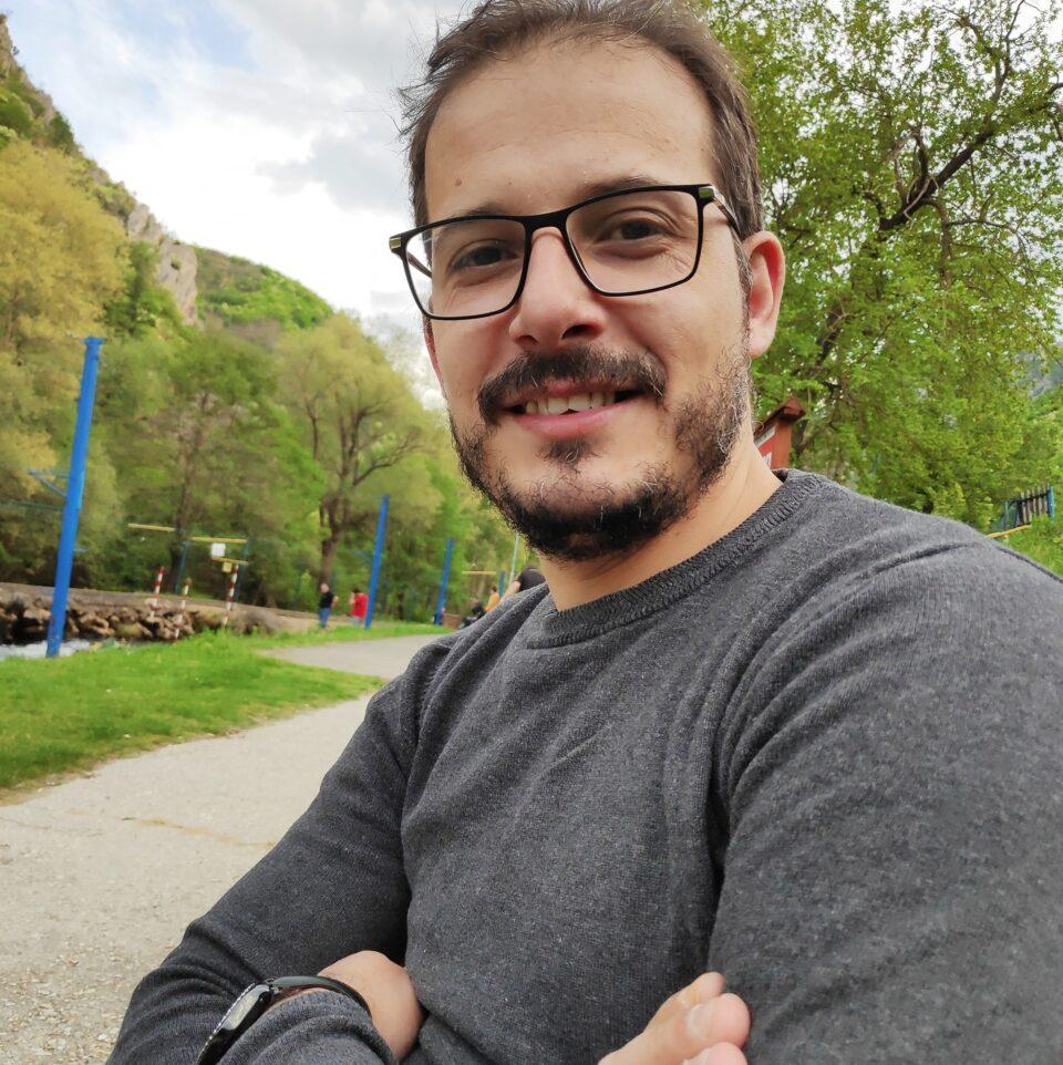 """Адил веднаш бил повикан во ПС Карпош за """"vaksajns.mk"""" а за двајцата од Струмица кои извршија силување им требаше 2 години да откријат"""