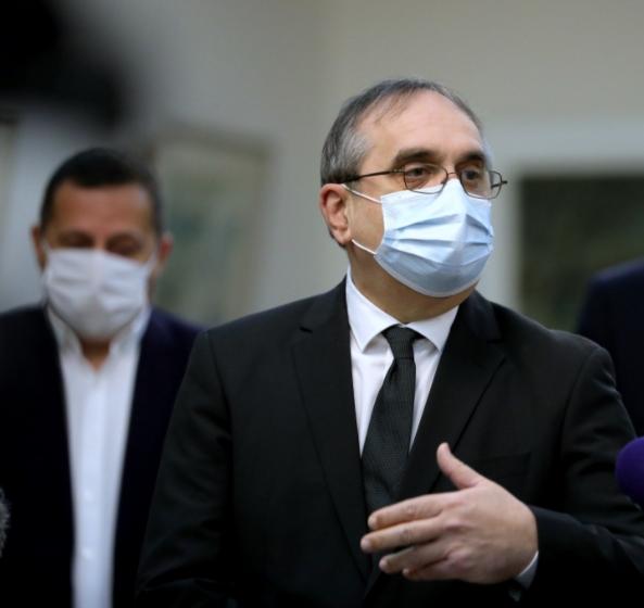 """Даштевски за Курир: Институциите молчат на барањата на ДИК, нема средства за законската обврска """"фингерпринт"""""""
