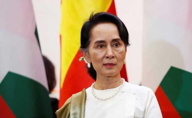 Уапсената премиерка го повика народот во Мјанмар да не го прифаќа воениот удар