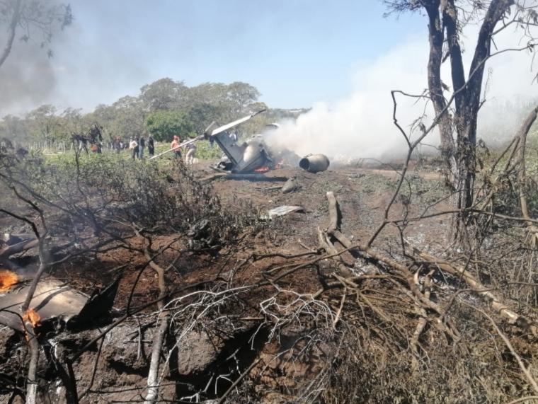 ВИДЕО: Се сруши авион на мексиканската војска, загинаа шест војници