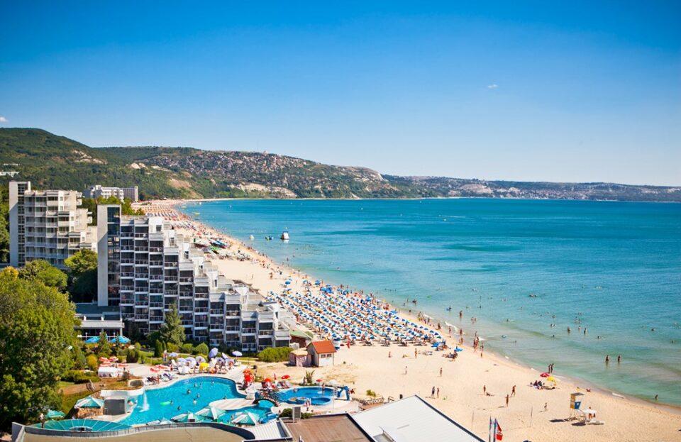 Околу 30 отсто од хотелите во Бугарија нема да се отворат летово