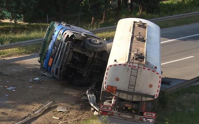Се преврте цистерна на патот Гостивар- Маврово, сообраќајот се одвива наизменично
