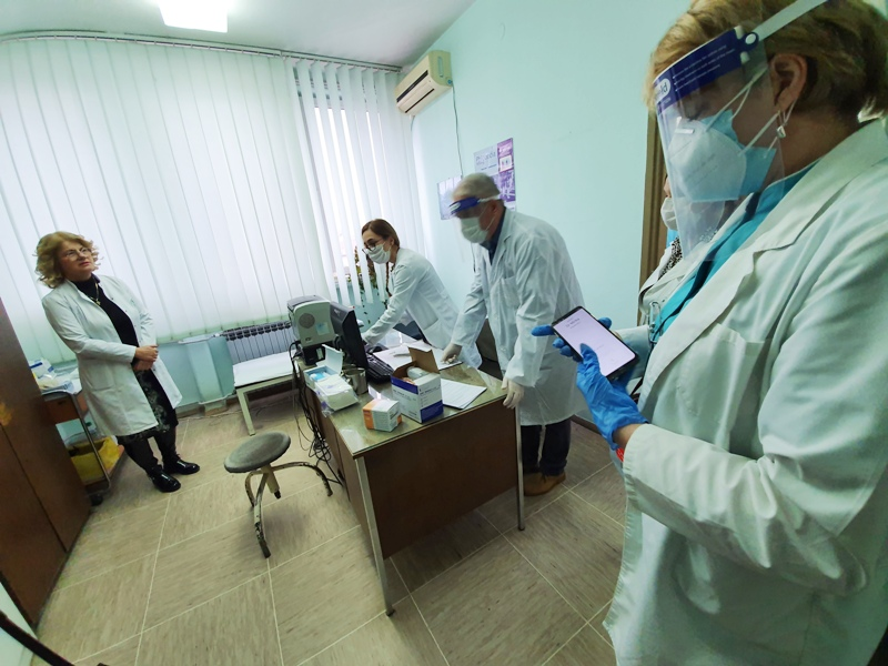 Во Врање нема само Лидл туку и 1.000 вакцини дневно против коронавирус- македонските власти мува не ги лази