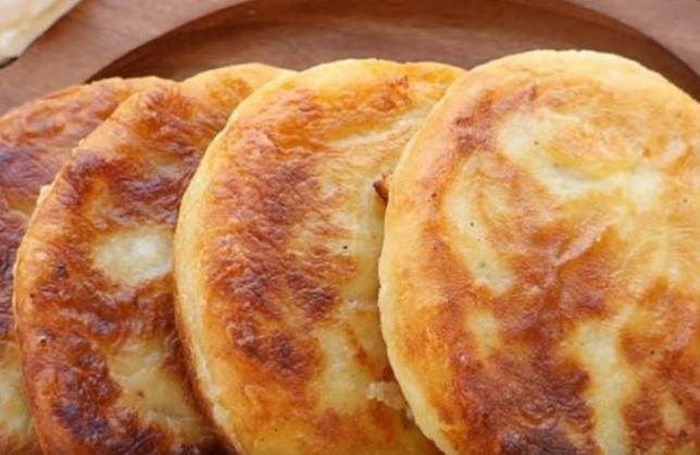 Компир палачинки полнети со мелено месо: Солено чудо на кое секогаш ќе му се враќате