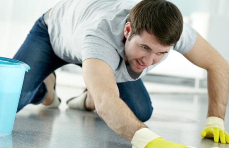 Мажите кои чистат по дома почесто имаат секс со партнерката