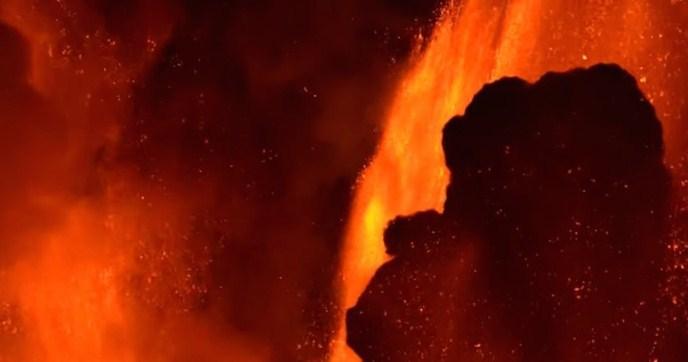 ВИДЕО: Спектакуларна ерупција на вулканот Етна