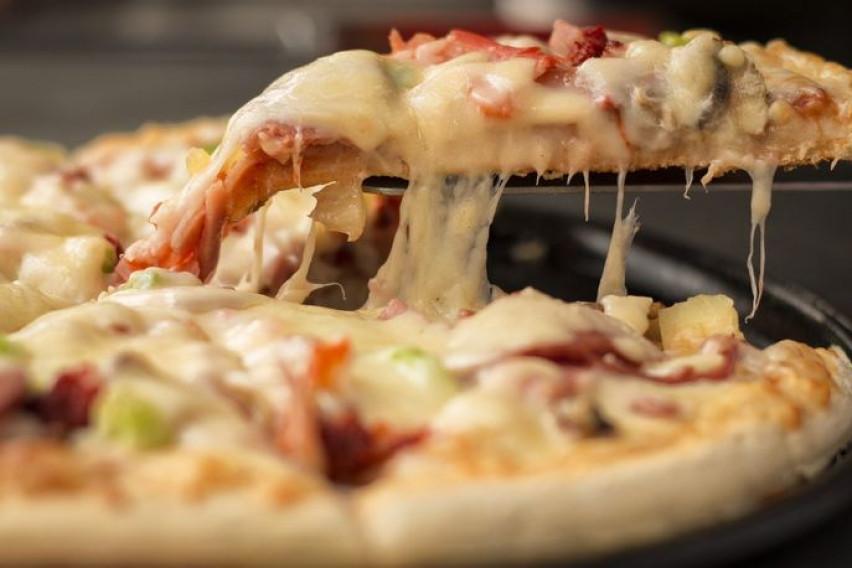 Рецепт за сочна пица кој би го налутил секој вистински Италијанец