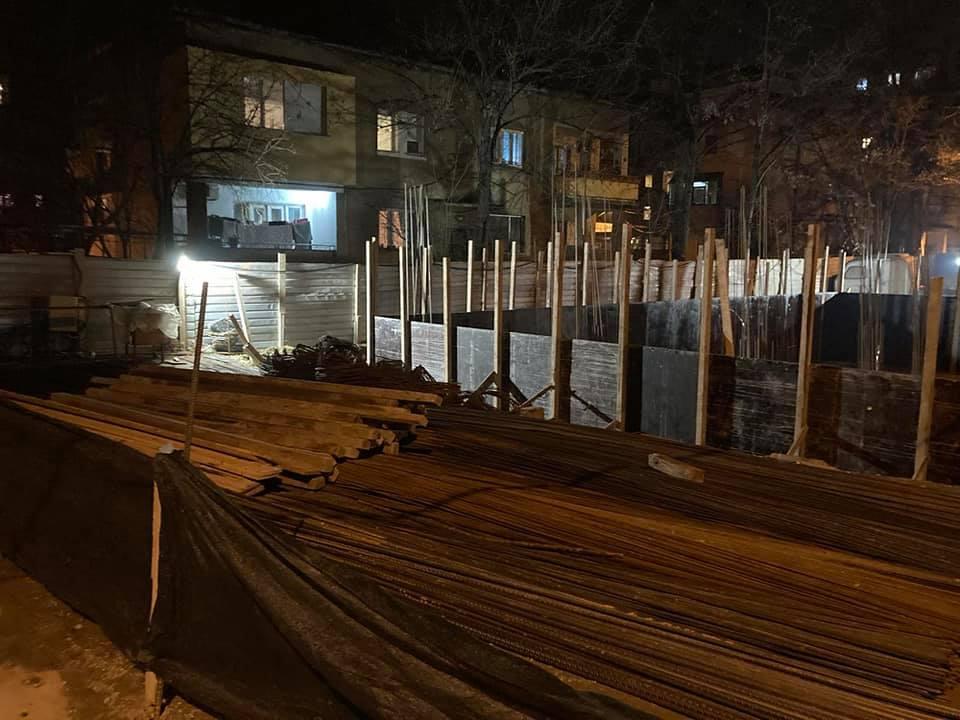 Продолжуваат ноќните операции на градежните узурпатори во Кисела Вода (ФОТО)