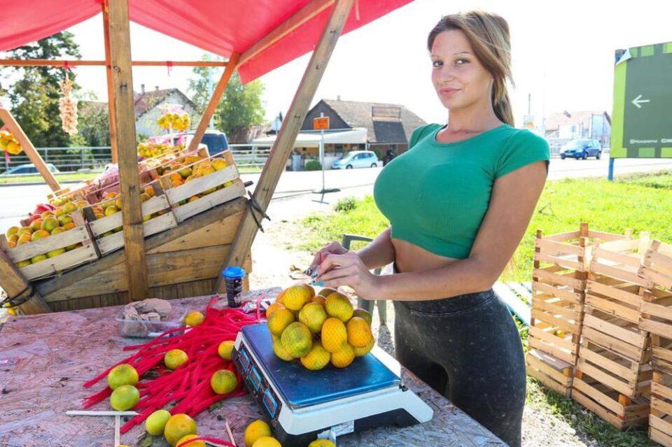 Некогаш продаваше мандарини, а денес ниту родената мајка нема да ја препознае: Кристина Мандарина пластичните операции ја уништија