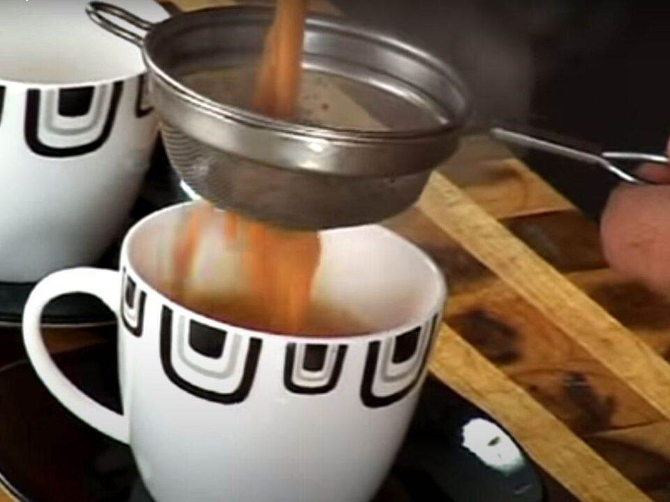 Чај од мешавина на зачини го зајакнува имунитетот и ја топи тежината: Русите го пијат цело време, еве што мислат тие за овој напиток !